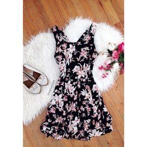 🌿 Vintage 90's • Floral Mini Dress 🌿